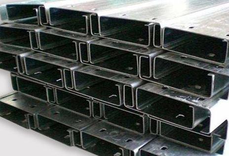 C型钢的主要结构特征是什么